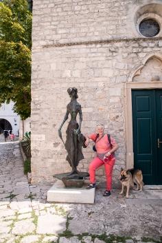 Statuen in Osor