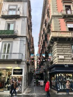 Typische engen Gassen Neapels